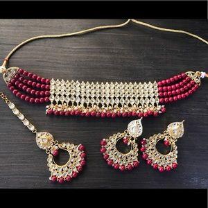 Jewelry - Gold and red kundan choker